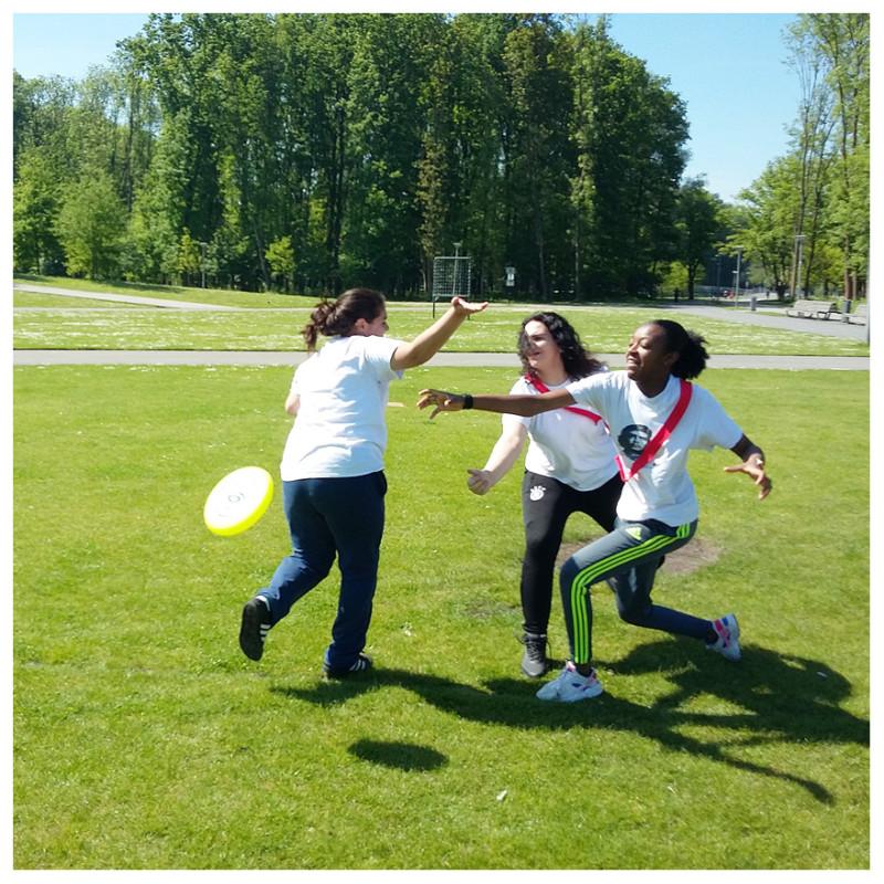Oefenen tijdens een potje Ultimate Frisbee